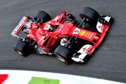 Foto Poster Sebastian Vettel tijdens de GP van Italie, F1 Ferrari Team 2017