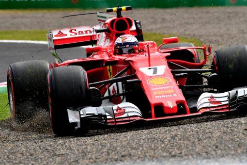 Foto Poster Kimi Raikkonen tijdens de GP van Japan, F1 Ferrari Team 2017