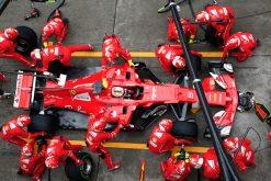 Foto Poster Sebastian Vettel tijdens de GP van China, F1 Ferrari Team 2017