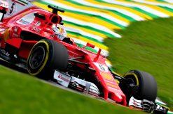 Foto Poster Sebastian Vettel tijdens de GP van Brazilie, F1 Ferrari Team 2017