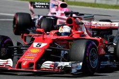 Foto Poster Sebastian Vettel tijdens de GP van Canada, F1 Ferrari Team 2017