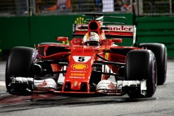 Foto Poster Sebastian Vettel tijdens de GP van Singapore, F1 Ferrari Team 2017
