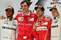 Foto Poster Sebastian Vettel tijdens de GP van Bahrein, F1 Ferrari Team 2017