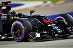 Foto Poster Fernando Alonso in actie tijdens de F1 GP Singapore 2016
