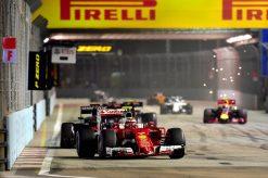 Kimi Raikkonen in actie tijdens de Grand Prix van Singapore 2016
