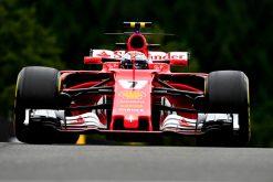 Foto Poster Kimi Raikkonen tijdens de GP van Belgie, F1 Ferrari Team 2017