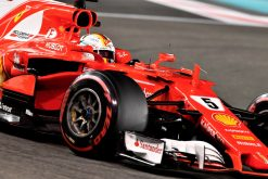 Foto Poster Sebastian Vettel tijdens de GP van Abu Dhabi, F1 Ferrari Team 2017