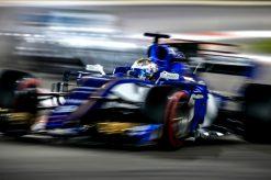 Foto Poster Marcus Ericsson tijdens de GP van Abu Dhabi, F1 Sauber Team 2017