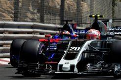 Foto Poster Kevin Magnussen tijdens de GP van Monaco, F1 Haas Team 2017