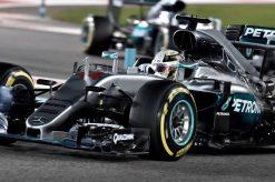 Foto Poster Lewis Hamilton tijdens de GP van Abu Dhabi, F1 Mercedes Team 2016
