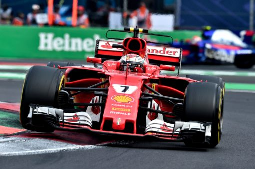 Foto Poster Kimi Raikkonen tijdens de GP van Mexico, F1 Ferrari Team 2017