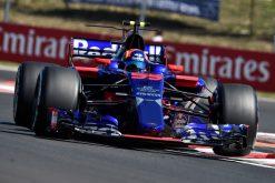 Foto Poster Carlos Sainz tijdens de GP van Hongarije, F1 Toro Rosso Team 2017