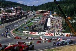 Foto Poster Jean Alesi Start tijdens de GP van Belgie, F1 Ferrari Team 1994