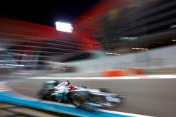 Foto Poster Michael Schumacher in actie tijdens de F1 Grand Prix Abu Dhabi 2012
