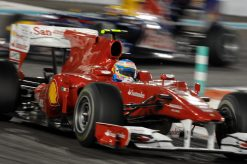 Foto Poster Fernando Alonso in actie tijdens de F1 GP Abu Dhabi 2010