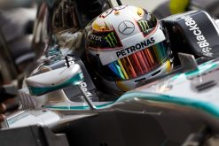 Foto Poster Lewis Hamilton tijdens de GP van Bahrein, F1 Mercedes Team 2014