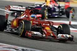 Foto Poster Fernando Alonso in actie tijdens de F1 GP Bahrein 2014