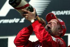 Foto Poster Rubens Barrichello op het podium, F1 Ferrari Team 2004