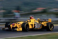 Foto Poster Damon Hill in actie tijdens de GP van Hongarije, F1 Jordan Team 1998