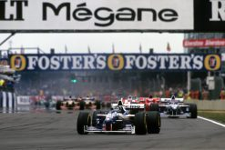 Foto Poster Damon Hill in actie tijdens de GP van Engeland, F1 Williams Team 1996