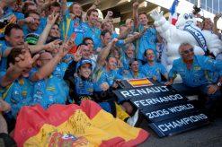 Fernando Alonso wint met zijn Team Renault de Constructeurs WK titel tijdens de GP van China 2006