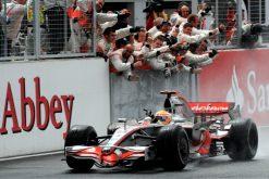 Foto Poster Lewis Hamilton tijdens de GP van Engeland, F1 McLaren Team 2008
