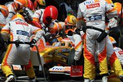 Foto Poster Fernando Alonso Pitstop tijdens de F1 Grand Prix Spanje 2009