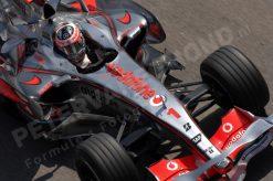 Foto Poster Fernando Alonso in Actie tijdens de F1 Grand Prix Spanje 2007