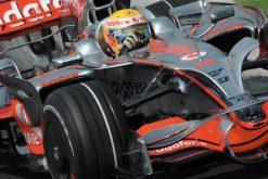 Foto Poster Lewis Hamilton tijdens de GP van Hongarije, F1 McLaren Team 2008