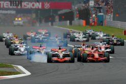 Kimi Raikkonen - Ferrari tijdens de Start van Grand PrixJapan 2008