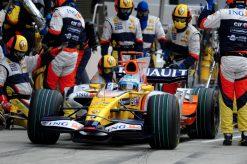 Foto Poster Fernando Alonso in Actie tijdens de F1 Grand Prix Japan 2008