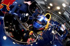 Foto Poster Robert Doornbos tijdens de GP van Japan, F1 Red Bull Racing Team 2006