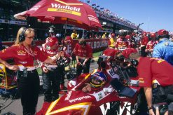 Foto Poster Jacques Villeneuve op de Grid tijdens de GP van Australie, F1 Williams Team 1998