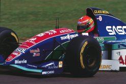 Foto Poster Eddy Irvine in actie tijdens de GP van Brazilie, F1 Jordan Team 1994
