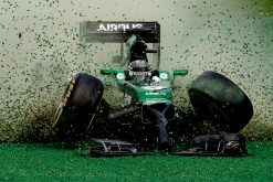 Foto Poster Kamui Kobayashi Crash tijdens de GP van Singapore, F1 Marussia Team 2014