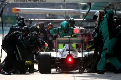 Foto Poster Nico Rosberg pitstop, F1 Mercedes Team 2015