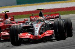 Foto Poster Lewis Hamilton tijdens de GP van Maleisie, F1 McLaren Team 2007
