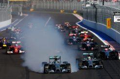 Foto Poster Nico Rosberg in Actie tijdens de start van GP Rusland, F1 Mercedes Team 2014