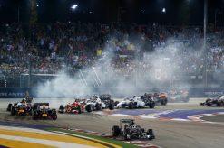 Foto Poster Lewis Hamilton tijdens de GP van Singapore, F1 Mercedes Team 2014