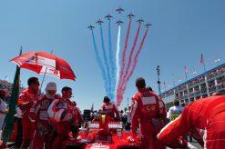 Foto Poster Rubens Barrichello tijdens de GP van Frankrijk, F1 Ferrari Team 2005