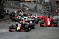 Daniel Ricciardo - Red Bull Racing tijdens de Start van GP Monaco - Monte Carlo Formule 1 Seizoen 2018