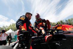 Max Verstappen - Red Bull Racing op de Grid tijdens de GP van Canada - Montreal Formule 1 Seizoen 2018.Foto is te bestellen als Poster, Ingelijst, Acrylglas, Alu-Dibond, Canvas, Forex of maak je eigen F1 Puzzel.Haal de Formule1 in huis met F1 Behang