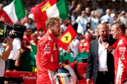 Foto Poster Sebastian Vettel - Ferrari Winnaar GP Engeland - Silverstone Formule 1 Seizoen 2018