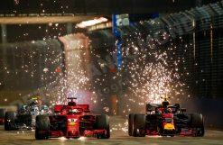 Max Verstappen - Red Bull Racing, GP van Singapore 2018 welke te bestellen zijn o.a. als Poster | Ingelijst | Acrylglas | Canvas en zelfs Behang!