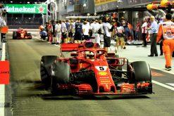 Foto van Sebastian Vettel GP van Singapore 2018 welke te bestellen zijn o.a. als Poster | Ingelijst | Acrylglas | Canvas en zelfs Behang!