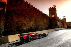 Max Verstappen actie, sfeer foto GP Azerbeidzjan, Baku