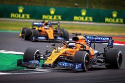 Carlos Sainz in de race met zijn teamgenoot Norris foto GP Engeland 2019