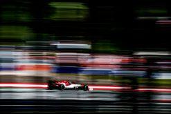 Antonio Giovinazzi in actie tijdens de GP van Oostenrijk 2019