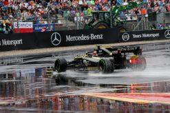 Nico Hulkenberg in actie tijdens de GP van Duitsland 2019