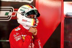 Sebastian Vettel Helm Foto tijdens vrije training GP Engeland 2019